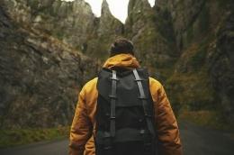 Ilustrasi backpacker. Sumber: Pixabay via Kompas.com