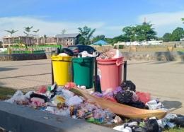 Ilustrasi: Kondisi sampah di Indonesia sudah tidak terkendali. Sumber: Dok.Pribadi #GiF