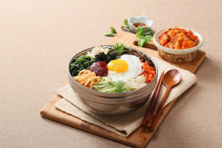 Makanan khas Korea Selatan yang Wajib Kamu Coba (Source: Freepik/Changupn)