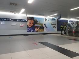 Dokumentasi pribadi - Stasiun MRT Jakarta, sekilas seperti Stasiun2 di Jepang, dengan konsep desain minimalisnya. Dinding dengan panel2 ringan yang dicat, standard dan cukup murah .....