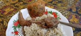 Nikmati gecok ayam dengan nasi hangat (dok. Vera shinta)