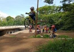 Jumping. Dokpri