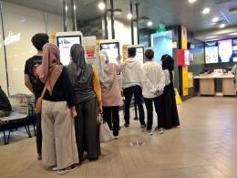 Mesin kiosk yang menjadi andalan Mekdi melayani konsumen. - Dokumen Pribadi