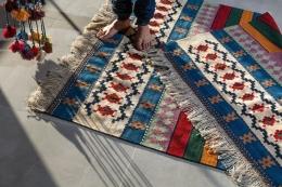Ilustrasi karpet. (sumber: UNSPLASH/SINA SAADATMAND via kompas.com)
