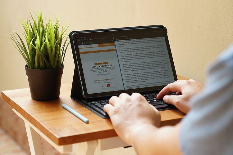 Ilustrasi menulis artikel keuangan. Foto: KOMPAS.com/OIK YUSUF