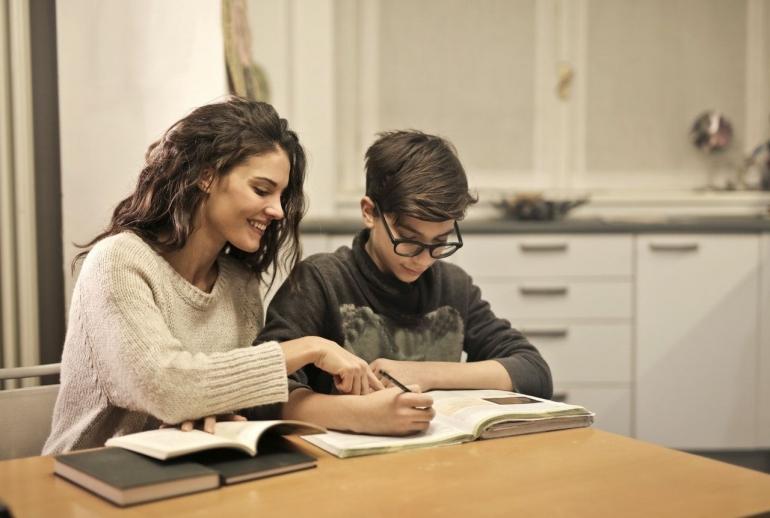 Tips Supaya Anak Tidak Bosan Belajar Daring di Rumah (Pexels)