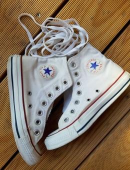 Sepatu putih usia 5 tahun setelah dicuci (Dokpri)