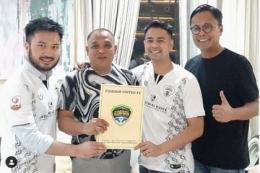 Artis Raffi Ahmad resmi mengakuisisi klub liga 2 RANS Cilegon FC. Gambar: bolasport.com