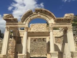 The Temple of Hadrian (Dok. Pribadi)