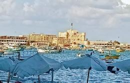 Ilustrasi Benteng Qaitbay dilihat dari jalan raya. Dokpri