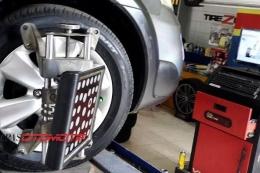 Proses spooring ban kendaraan. Gambar: kompas.com