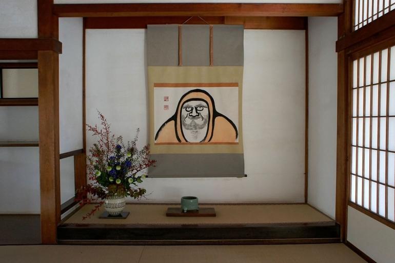 Tokonoma, sebuah Niche Jepang, sumber: https://id.wikipedia.org/wiki/Berkas:Tenryuji_Kyoto29s5s4200.jpg