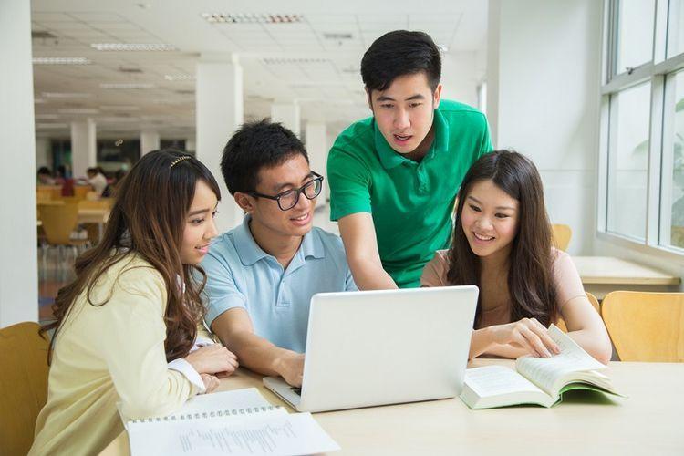 Kebahagiaan calon mahasiswa yang dinyatakan lulus sbmptn 2021 (foto dari edukasi.kompas.com)