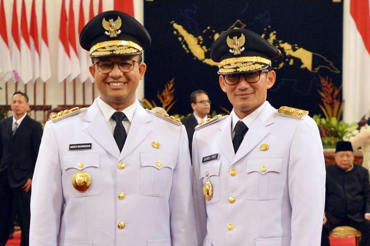 Pasangan Anies-Sandi setelah dilantik sebagai Gubernur dan Wakil Gubernur DKI Jakarta tahun 2017 lalu (sumber : kompas.com)