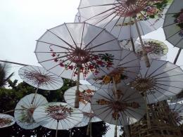 Payung geulis di acara Festival Budaya Tasikmalaya. Sumber: dokpri