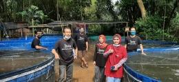 Team bolang Kompasiana di Kampung nila slilir