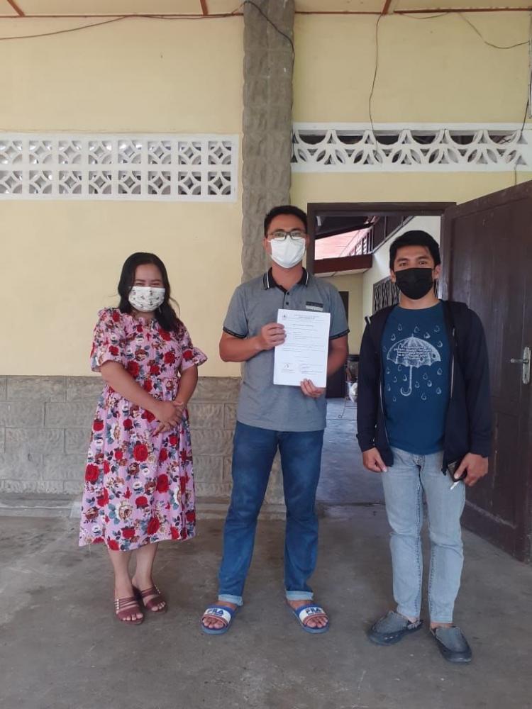Penyerahan sertifikat dari dinas kesehatan kota Gunungsitoli-Dokumentasi pribadi