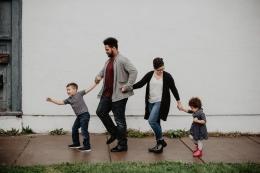 Ilustrasi keluarga. Sumber foto : Emma Bauso/Pexels.com