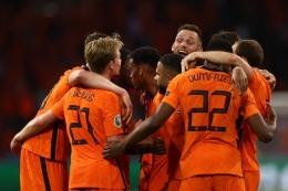 Selebrasi para pemain Timnas Belanda saat berhasil menang atas Ukraina dalam pertandingan Grup C Euro 2020 (Foto: Twitter Euro 2020).