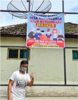 Gambar 3.. Pemasangan Poster Mengenai Pentingnya Penggunaan Masker-dokpri