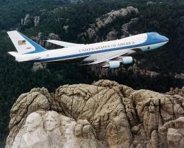 Boeing 747-200B Air Force One. Sumber gambar: U.S. Air Force/wikimedia.org