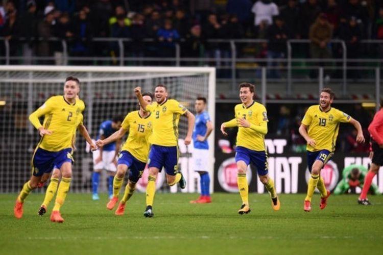 Pemain Swedia merayakan hasil seri (0-0) saat bertandang ke Spanyol dalam turnamen Euro 2020 Grup E. Kompas.com