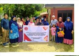 Gambar: Perwakilan STIM SUKMA dan Ibu-Ibu pembuat Tape, Kelurahan Baru Ladang Bambu, Kecamatan Medan Tuntungan, Medan, Sumatera Utara, Indonesia