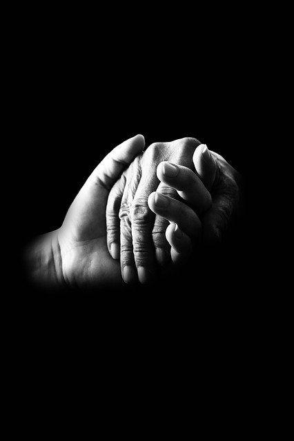 Ilustrasi genggaman tangan (sumber gambar: pixabay.com)