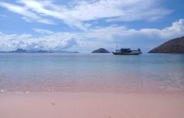 Pink Beach, Labuan Bajo (Dokumentasi pribadi)