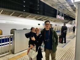 Menjajal Shinkanse Bersama Keluarga. Sumber: dokumentasi pribadi
