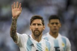 Kapten Tim Nasional Argentina, Lionel Messi (33) berharap bisa membawa negaranya mengangkat trofi Copa America 2021 yang mungkin akan menjadi turnamen terakhirnya. Foto: HERKA YANIS PANGARIBOWO/TABLOID BOLA via KOMPAS.COM