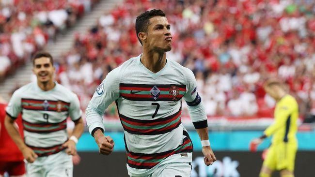 Selebrasi Cristiano Ronaldo ketika mencetak gol ke gawang Hungaria (Foto REUTERS)
