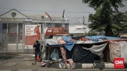 Sebelumnya para pencari suaka ditempatkan di Rumah Detensi Imigrasi, Kalideres | Foto diambil dari CNN/Adhi Wicaksono