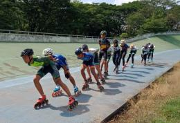 Olahraga sesuai bakat dan minat serta latihan yang tepat dan proposional. Dokumentasi pribadi