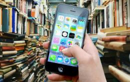 Literasi media dalam bermedia sosial amat penting (foto ilustrasi: pixabay.com)