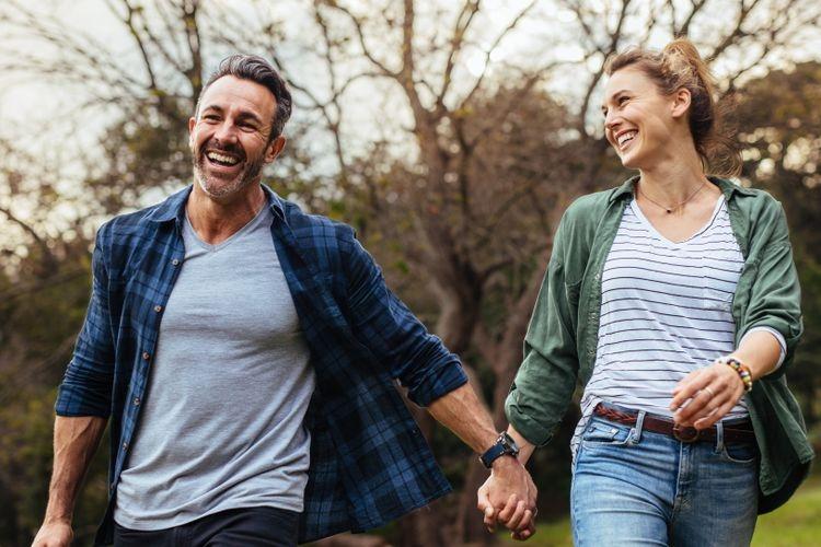 5 Love Language Terhadap Pasangan, Kamu yang Mana? (Sumber: Shutterstock via kompas.com))