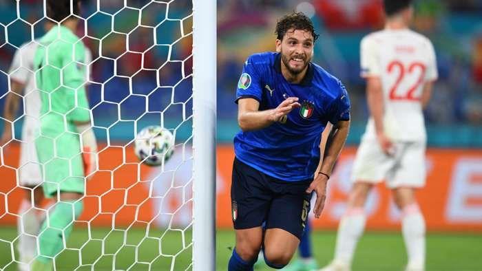 Manuel Locatelli berhasil menyarangkan 2 gol ke gawang Swiss. Sumber foto: Getty Images via Goal.com
