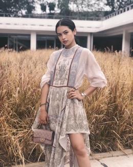 5 Alasan Kenapa Harus Bangga Pakai Batik! (Source: Instagram/Maudy Ayunda)