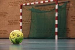 Ilustrasi lapangan futsal (Sumber: unsplash.com/Pascal Swier)
