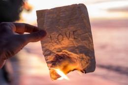 Ilustrasi putus cinta. (sumber: bingokid via kompas.com)