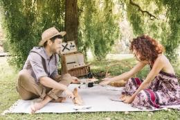 Ide Kencan Romantis Low Budget Tapi Tetap Manis, Pas Buat yang Lagi Pe-De-Ka-Te! (Source: Westend61)