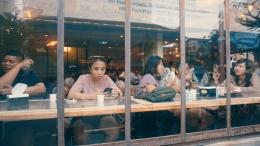 Nongkrong di kafe bersama rekan yang sama-sama masuk usia kepala 3 | Dokumen Pribadi