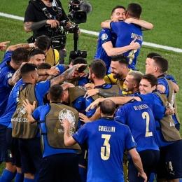 Perayaan timnas Italia karena berhasil lolos ke babak 16 besar Euro 2020 setelah mengalahkan timnas Swiss 3-0 | www.instagram.com/euro2020