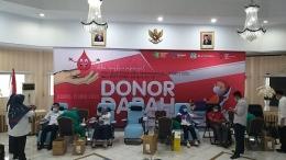 Deskripsi : Para pendonor di kegiatan aksi donor darah I Sumber Foto: dokpri