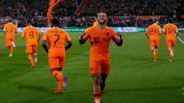 Memphis Depay dkk merayakan kemenangan atas Austria 2-0. Inews.id