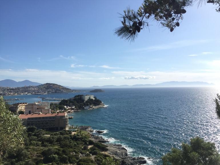 Gambar Laut Aegean yang Diambil dari Gazibeğendi Hill (Dok. Pribadi)