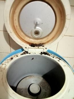 Rice cooker yang belum dibersihkan (dokpri)
