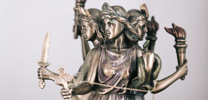 Hecate, Dewi Bulan yang Terlupakan, Berkah bagi Para Penyembah Penderitaan (momblogsociety.com)