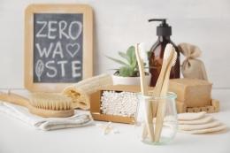 Berbagai produk zero waste (Sumber: voicesofyouth.org)
