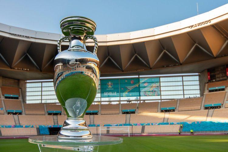 Trofi Euro 2020. Sumber foto: Twitter/Euro 2020 via Kompas.com